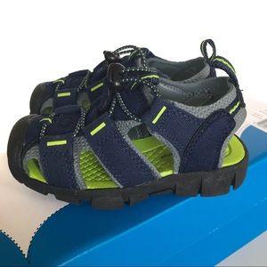Jumping Beans Lil Kalvin sport sandals, size 7